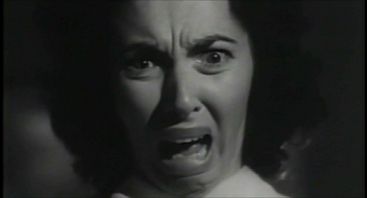 the-screaming-skull-woman1